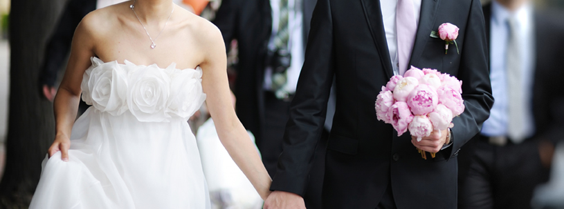 Wedding planning tips for bringing both sides of the family together