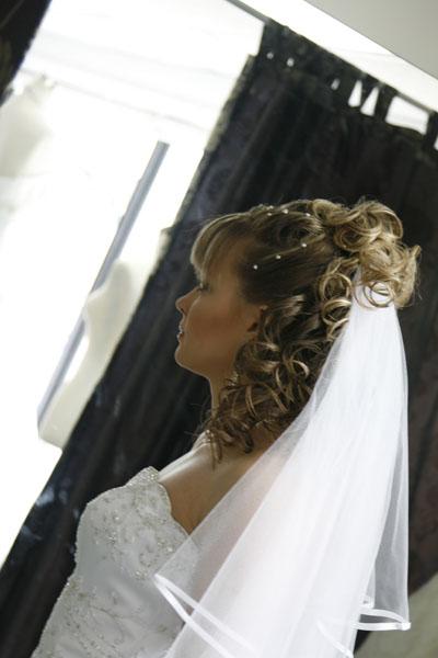 Wedding Hairstyle Y18 – Half Up, Vintage Romantic Look
