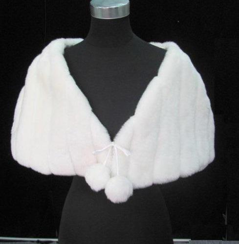 C1002-Fur Cape